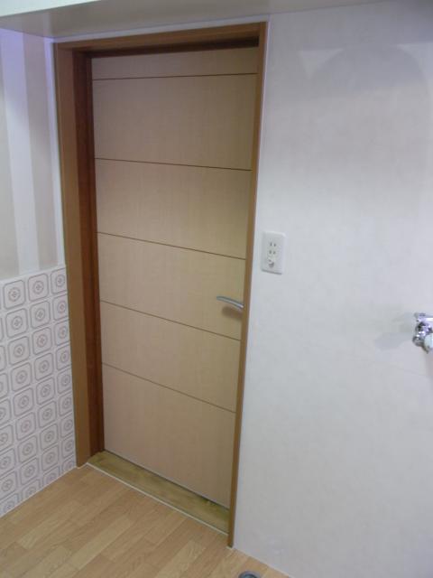 tanaka-door1.JPG